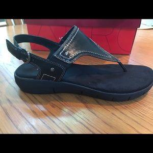 Aerosoles Black sandals Never worn